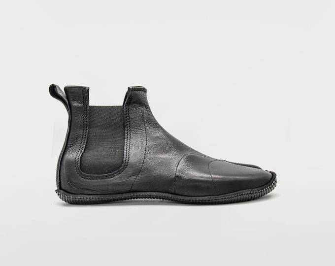 PERFORMANCE TABI: Ninja Soft Leather Tabi for OUTDOORS // Black & Colours // Vibram sole // Deer Leather // Barefoot shoes / Chelsea boots