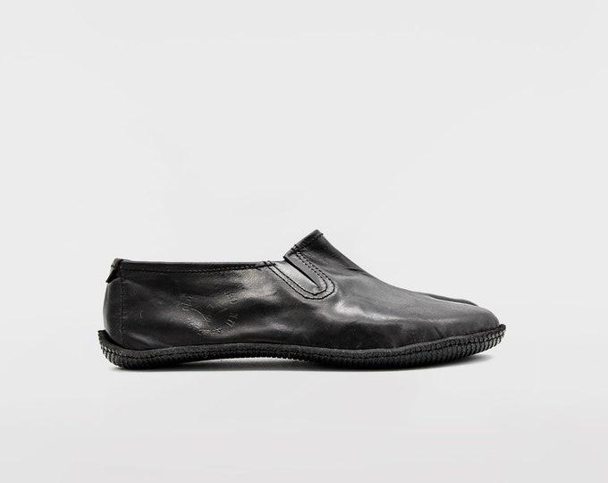 Taoist Ninja shoes / Black Leather tabi shoes / Barefoot Shoes / Vibram Soles / Flexible, Breathable, Stylish / Veg Tan Leather / Split toe
