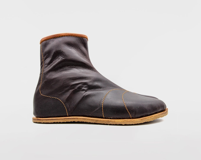 Hattori Hanzō Ninja Tabi Boots | Veg tan leather | Kohaze clasps fastening | Svig rubber soles | Ninja shoes made by a ninja