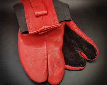 PERFORMANCE Leather Tabi with REINFORCEMENTS for INDOORS // Red // Cow Leather Tabi // Handmade // Suede Sole // Tatami / Bujinkan