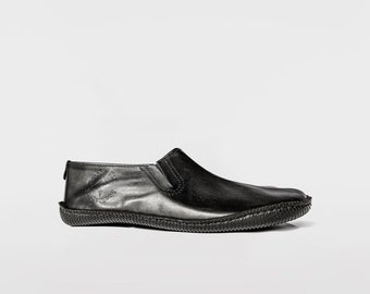 Tao shoes   Black Leather shoes   Barefoot Shoes   Vibram Soles   Flexible, Breathable, Stylish   Veg Tan Leather