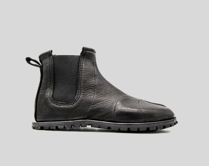 Silent Walker Tabi Boots | Special Edition | Black Leather Boots | Chelsea Ninja Shoes | Vibram Trekking Soles | Made in England