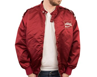 Vintage Mens Coca Cola Satin Jacket Size Medium Large Red Nylon Cafe Racer  Hipster Mod Style Tang 90s 80s Bomber Windbreaker Full Zip Spring a92c265153