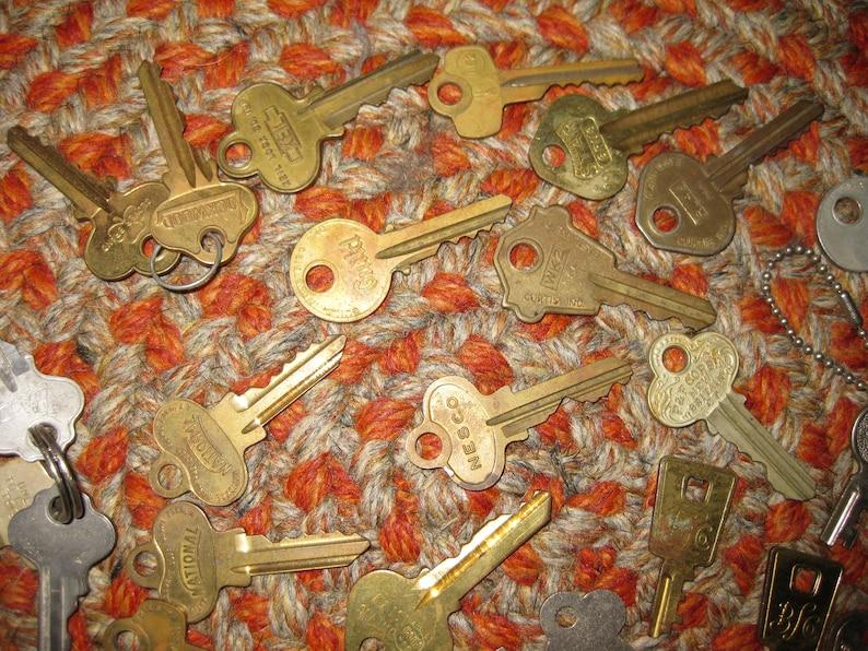 Lot of 35 Vintage Keys