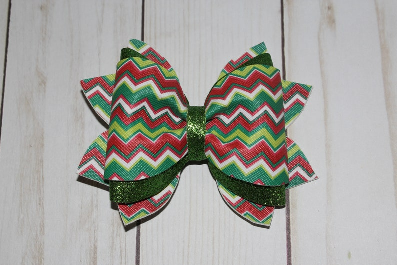 Christmas red and green holiday hairbow. green sparkly bow. image 0