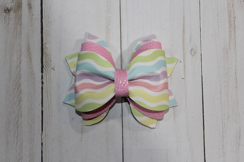 Easter hairbow. Pastel multicolored wavy pattern hairclip image 0