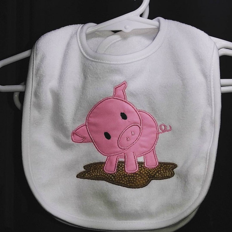 Pig applique machine embroidered infant toddler white bib. image 0