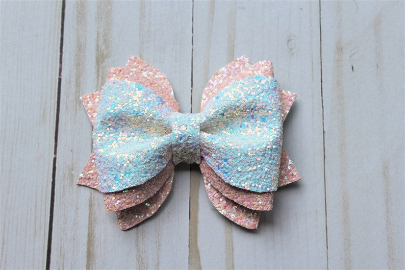 Light Pink and White sparkle glitter layered hairbow clip. image 0