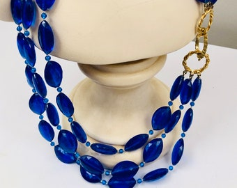Mid-Century Vibrant Cobalt Blue Beaded Necklace with Gold Tone Snap Clasp
