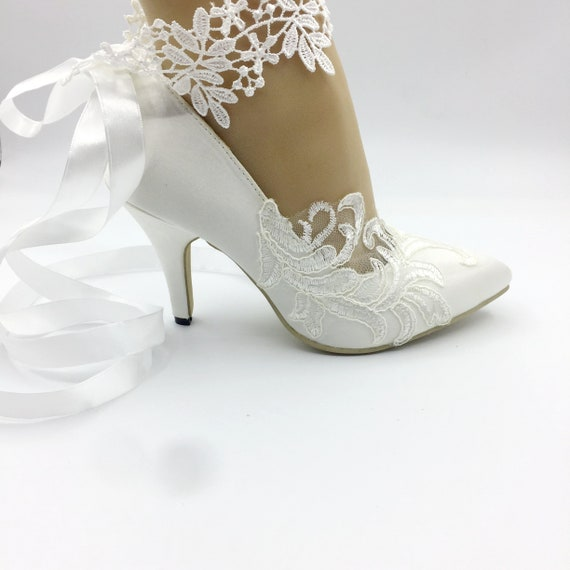 a2eae7c94546 Lady Lace flower shoesWhite Ankle trips lace Wedding Shoes