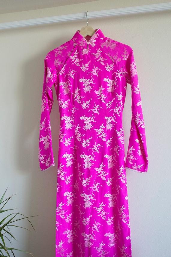 Shocking Pink Vintage Cheongsam