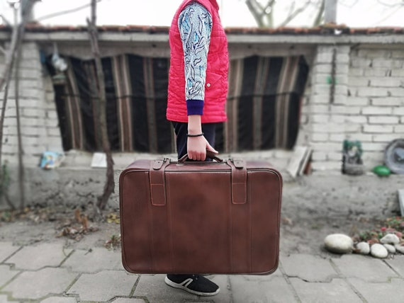 Vintage leather suitcase from 70s - Leather brown