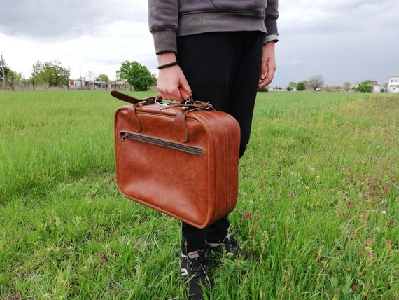 Vintage leather suitcase from 70s, Brown small sui