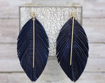 Carved Leather Feather jewelry set