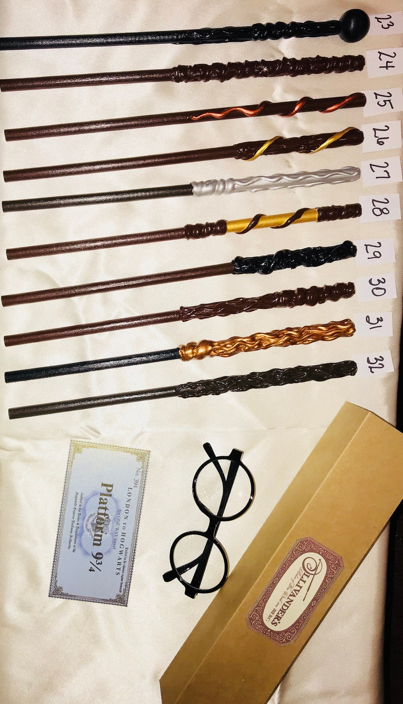 5 Set and Spell Lists Great Gift or Party Favor Wizard Wands