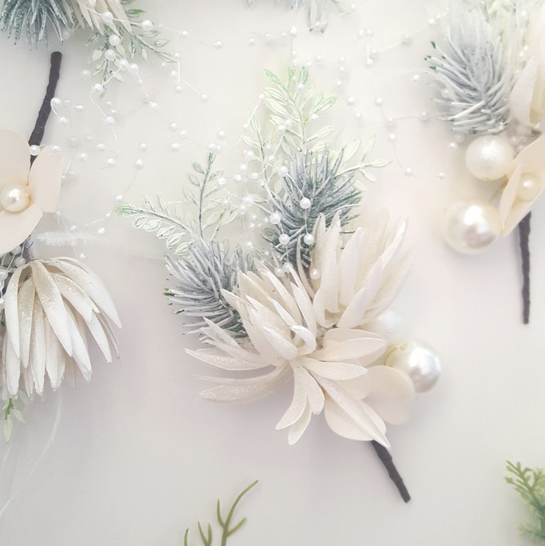 Winter wedding white flower hair pin earring set boho bridal headpiece hair pin clip foliage wedding hair comb