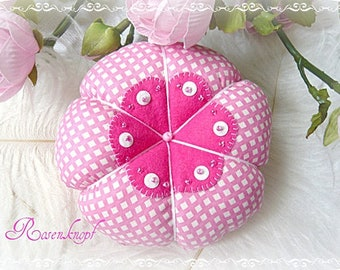 2628e72314f21 NADELKISSEN Leinenblume Weiß Rosa Pink Shabby Rund UNIKAT Filz Nähen  Nähutensil Perlen Pailletten Geschenk Mitbringsel Give Away Muttertag