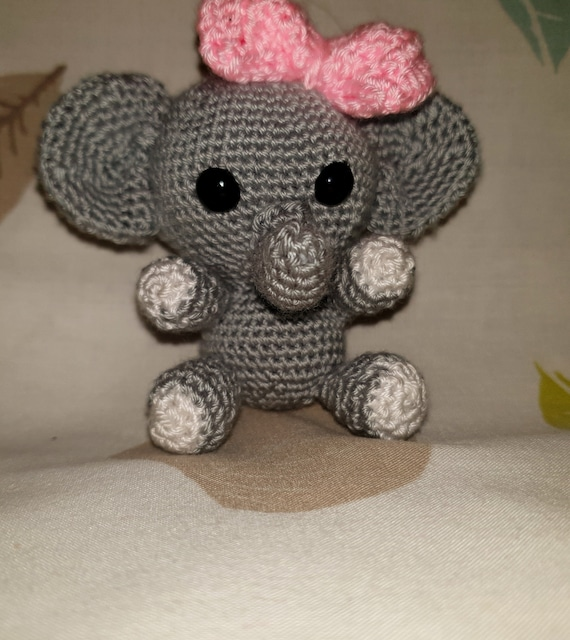 Crochet Elephant Amigurumi Key Chain | Patrones amigurumi, Muñecos ... | 640x570