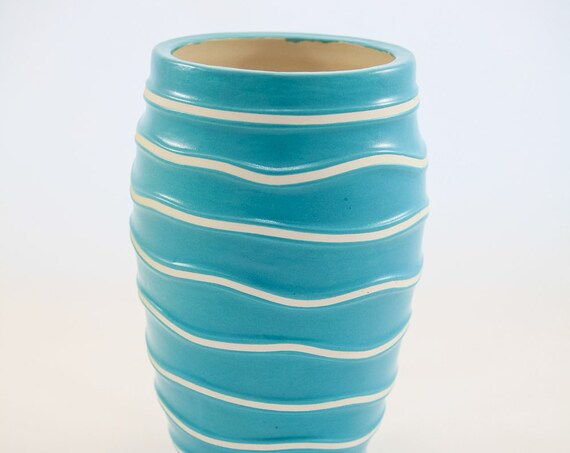 Sculpted Vase - Turquoise on White