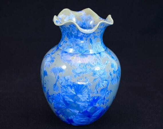 Exquisite Crystalline Blue Vase - IIII - Fluted Top