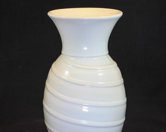 Fluted Top and Raised Ribs Vase