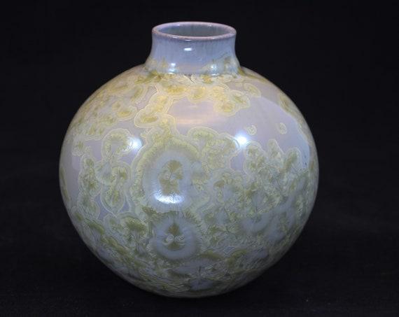 Soft and Feminine - Crystalline Vase - 2