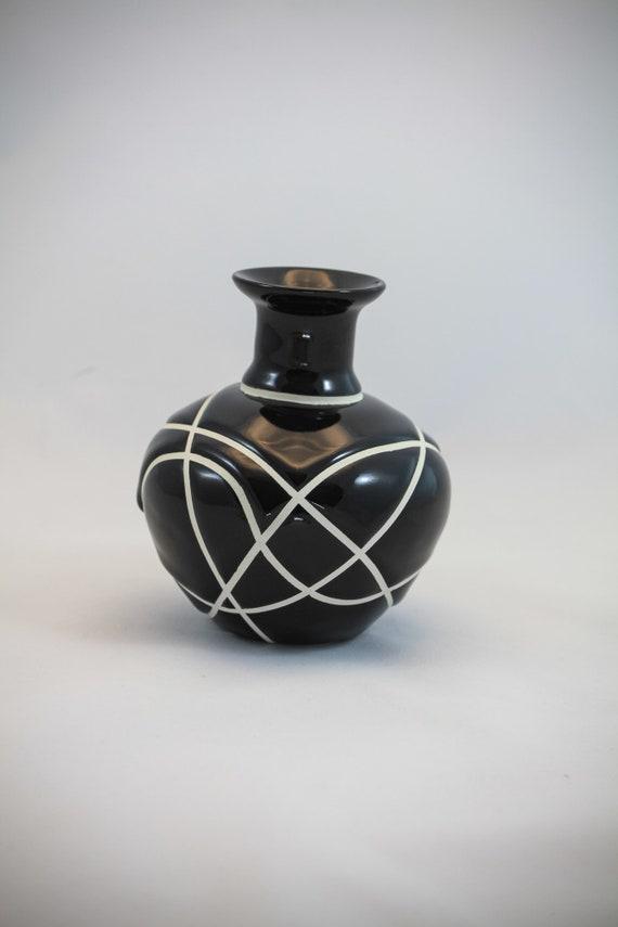 Modern Classic Bud Vase