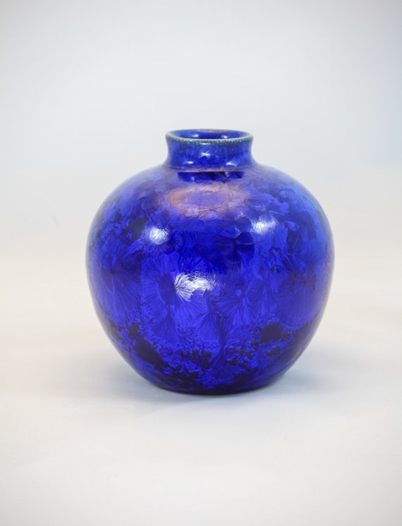 Dark Blue Round Crystalline Vase