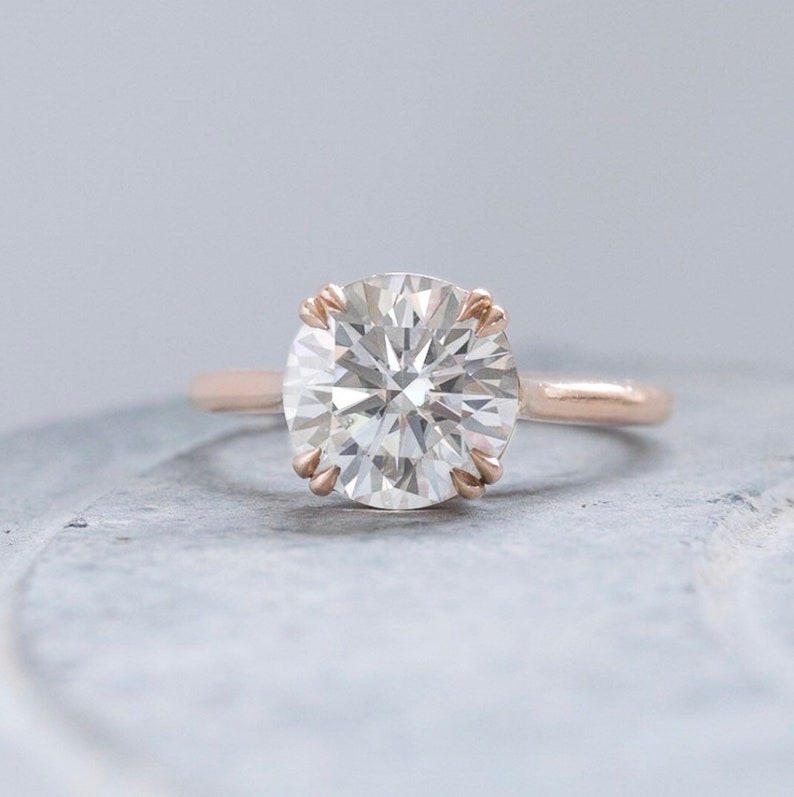 Forever 8mm Colorless Round Moissanite Double prongs Solitaire Engagement Ring in Gold,Silver