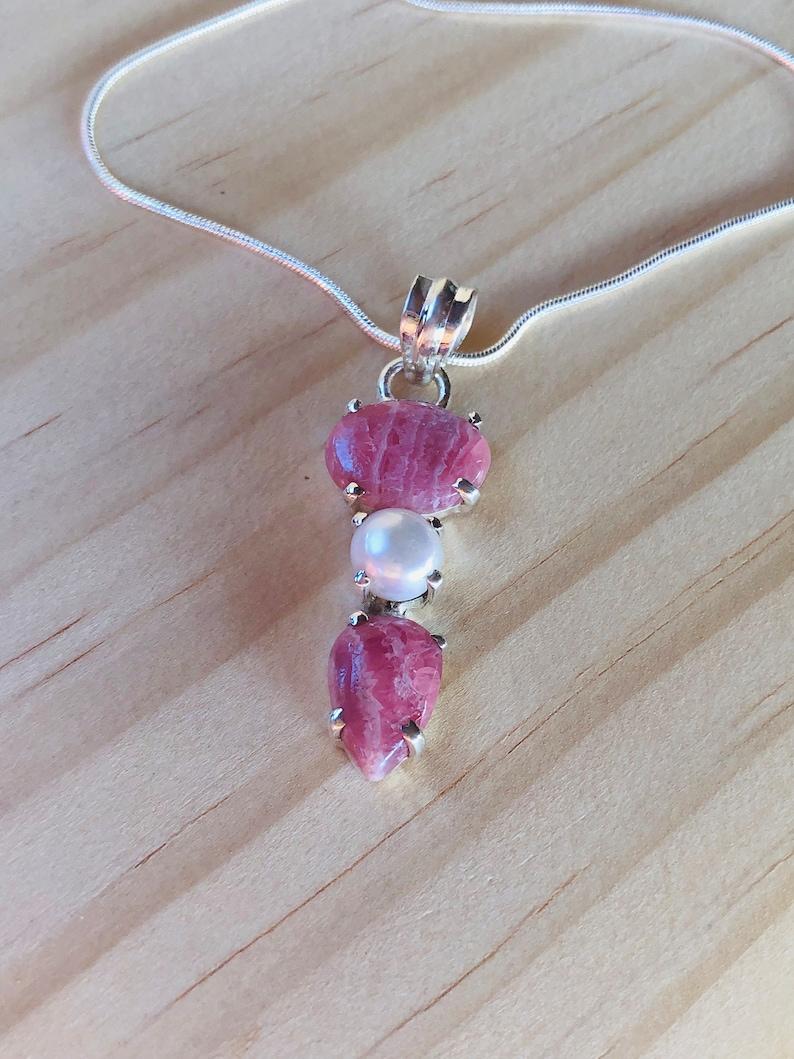 Natural Rhodochrosite /& Pearl Pendant Necklace