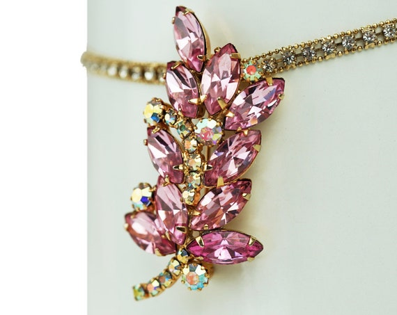 Vintage Juliana Leaf Brooch. Rhinestones and Gold Plating.