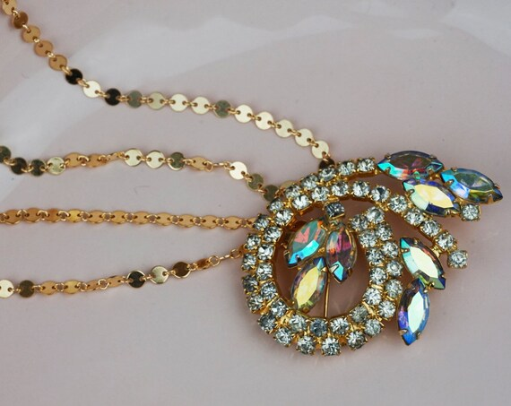 Vintage Juliana Naomi Brooch. Rhinestones and Gold Plating.