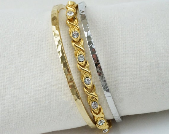 Vintage Toni Bracelet. Rhinestones and Gold Plating.