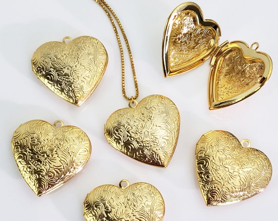 Annie Heart Locket. Gold Plated Brass.
