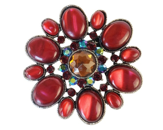 Red Vintage Brooch Clip.