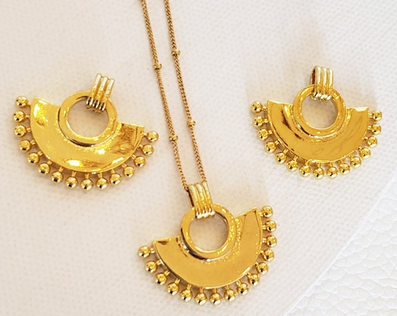 Ilese Pendant. 24K Gold Plated Brass.
