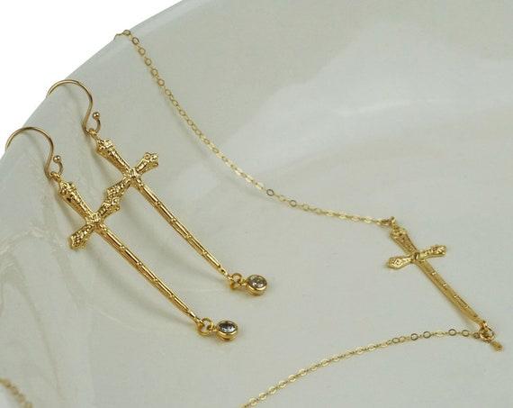 Erin Cross Connector. Gold Plated Brass.