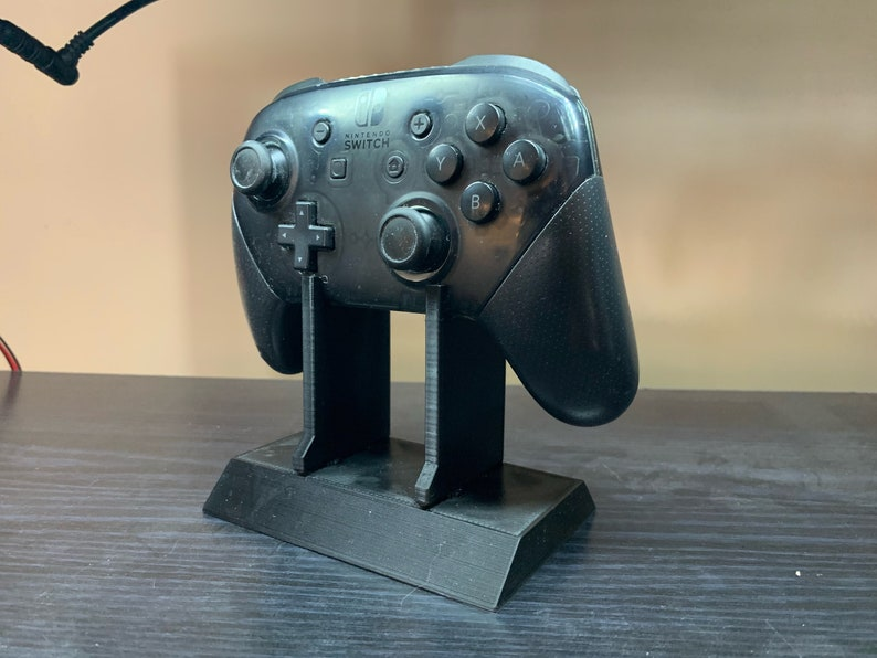 Nintendo Switch Pro Controller Display Stand image 0