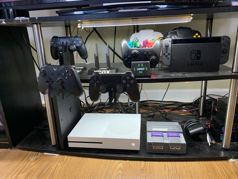 Playstation 4 Mounted Controller Display Stand image 0