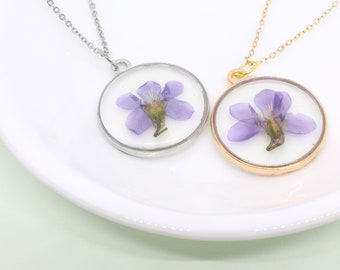 Family Decor Small Wild Lavender Flower Pendant Necklace Cabochon Glass Vintage Bronze Chain Necklace Jewelry Handmade