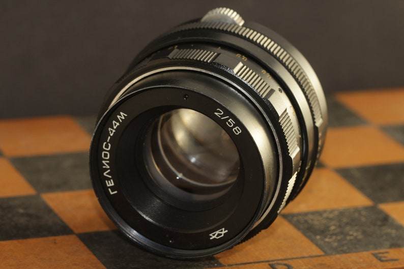 Helios-44m 58mm f / 2 Helios 44m 2/58mm Helios 44-2 2/58mm M42 Lens mount +  adapter for Canon EOS 5D 300D 6D 1100D