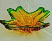 Beautiful Murano Art glass bowl in gold-yellow-brown green, like a four-leaf clover. Sommerso - Flavio Poli Alfredo Barbini 1950 1960