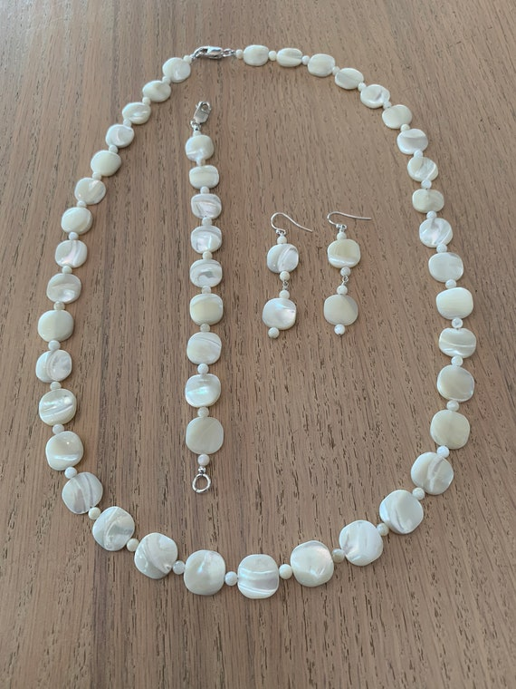 Mother of Pearl Bracelet and Earrings Set
