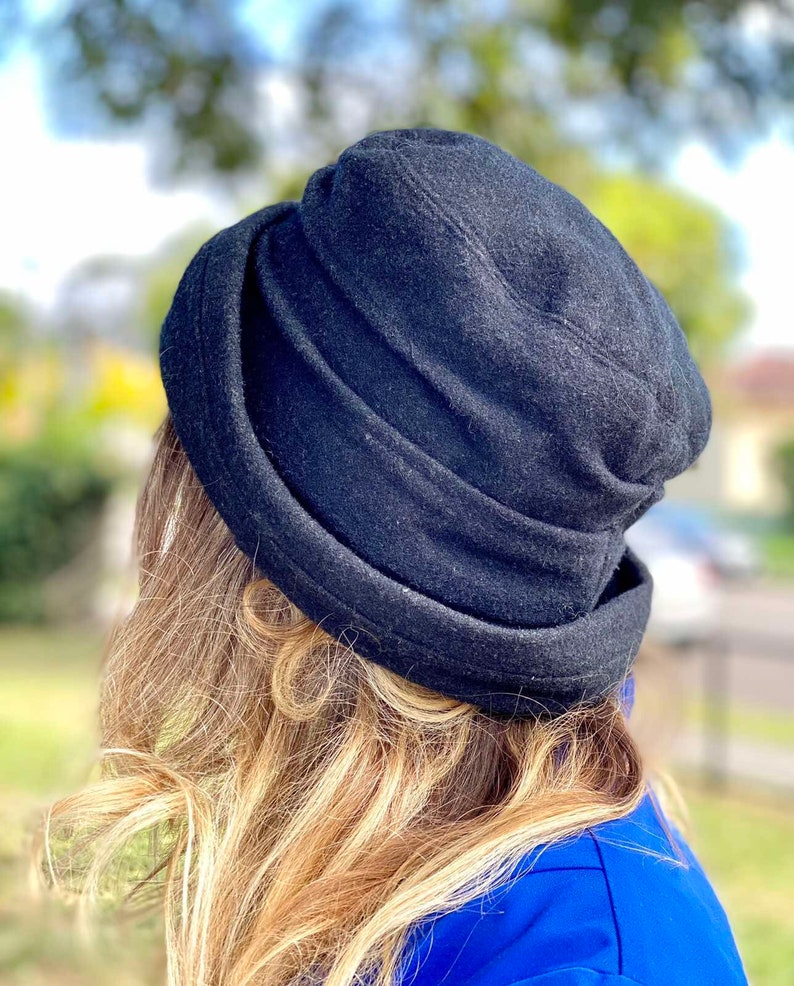 Crochetta Italian Wool Vintage 80s Black Bucket Style Winter Hat