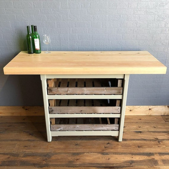 Rustic freestanding kitchen island / breakfast bar with chunky pine top