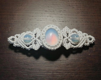 Elven leaf Macrame hair clip with opalites (white)