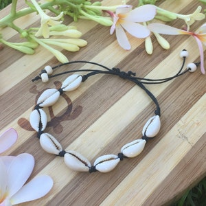 with Waxed Cord /& Natural Yellow Cowrie Shells Hawaiian Shell PURPLE Cord Surfer Style Beach Tropical Pretty Fashion Accessories BRACELET