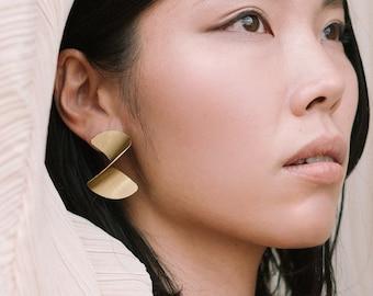 Gold twist earrings, Extra large earrings, Gold spiral earrings, Curled earrings, Light big earrings, Stylish earrings, Avant garde earrings