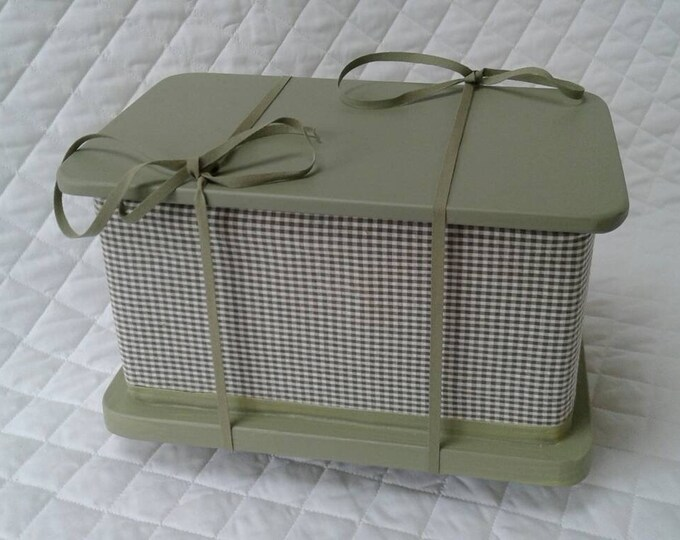 Lovat Green - Casket for Pet Ashes