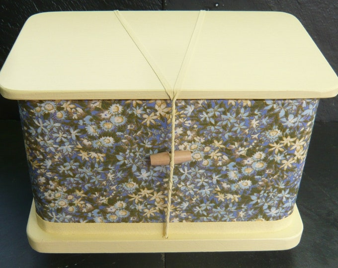 Lindsey - Pet ash casket